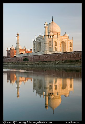 Taj Mahal and Jawab reflected in Yamuna River. Agra, Uttar Pradesh, India