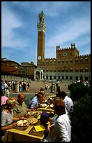 Outdoor dinning on Piazza Del Campo. Siena, Tuscany, Italy