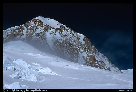Lower section of West Buttress of Mt McKinley. Denali National Park, Alaska, USA.