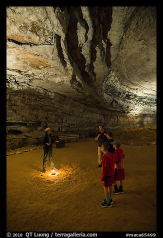 Ranger talking to family in cave. Mammoth Cave National Park (color)