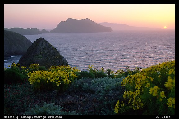 Sunset near Inspiration Point, Anacapa. Channel Islands National Park, California, USA.