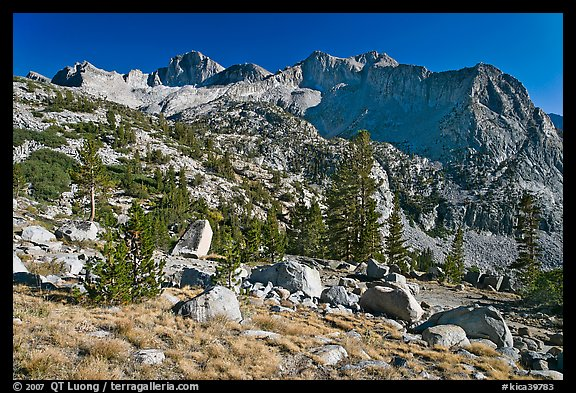 Mt Giraud chain, Lower Dusy basin. Kings Canyon National Park, California, USA.