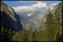 U shape of Kings Canyon seen from Canyon Viewpoint. Kings Canyon National Park, California, USA.
