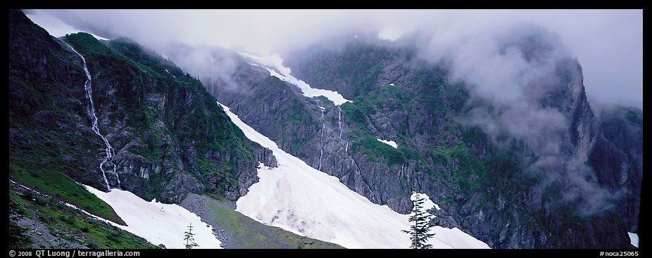 Waterfalls, neves, and clouds, North Cascades National Park.  (color)