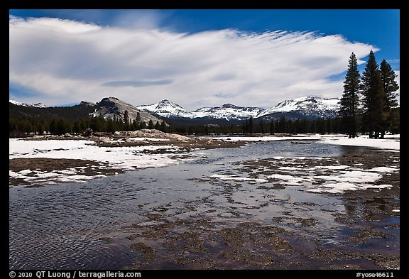 Flooded Twolumne Meadows in spring. Yosemite National Park, California, USA.