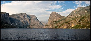 Hetch Hetchy. Yosemite National Park (Panoramic color)