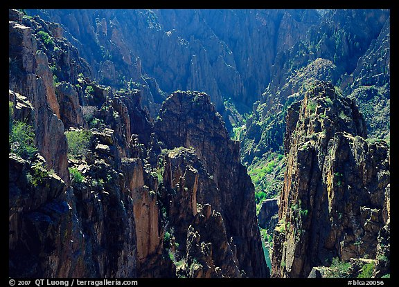 Spires and canyon walls. Black Canyon of the Gunnison National Park (color)