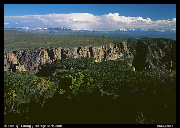 The canyon from the North vista trail. Black Canyon of the Gunnison National Park (color)