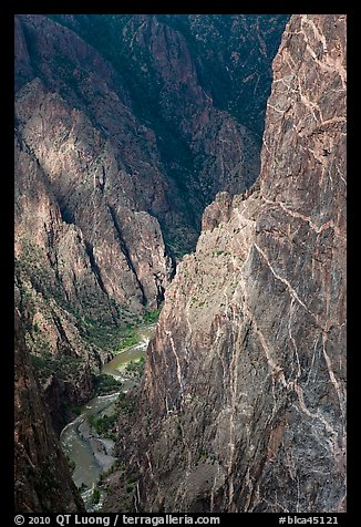 Hard gneiss and schist walls. Black Canyon of the Gunnison National Park, Colorado, USA.