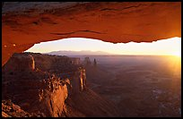 Mesa Arch at sunrise, Island in the sky. Canyonlands National Park, Utah, USA.