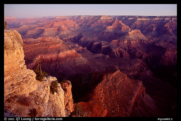 View from Yvapai Point, sunrise. Grand Canyon National Park, Arizona, USA.