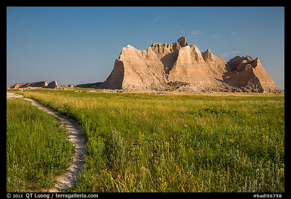 Castle Trail. Badlands National Park (color)