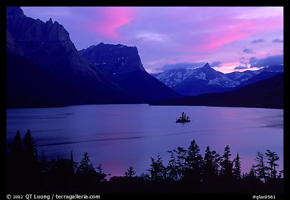 St Mary Lake and Wild Goose Island, sunset. Glacier National Park, Montana, USA.