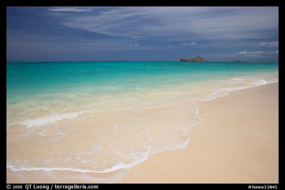 Waimanalo Beach and ocean with turquoise waters and off-shore island. Oahu island, Hawaii, USA