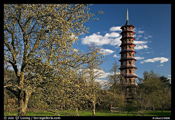 Great Pagoda designed after the Chinese Taa. Kew Royal Botanical Gardens,  London, England, United Kingdom