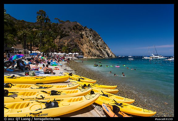 Descanson beach and sea kayaks, Avalon, Santa Catalina Island. California, USA