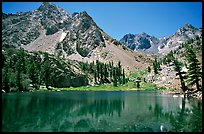 Emerald waters of a mountain lake, Inyo National Forest. California, USA ( color)