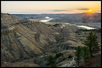 Sunrise over badlands. Upper Missouri River Breaks National Monument, Montana, USA ( )