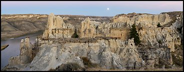 Pinnacles near Hole-in-the-Wall. Upper Missouri River Breaks National Monument, Montana, USA (Panoramic color)