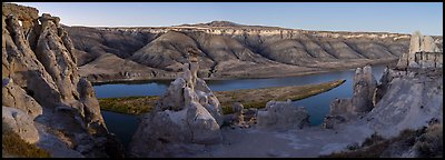 Hole-in-the-Wall. Upper Missouri River Breaks National Monument, Montana, USA (Panoramic color)