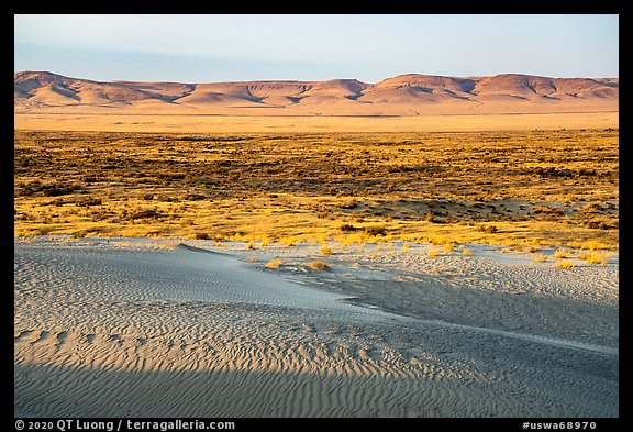 Sand dunes and Saddle Mountains, Hanford Reach National Monument. Washington (color)