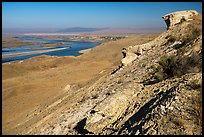 Rock outcrop and Columbia River, Hanford Reach National Monument. Washington ( color)