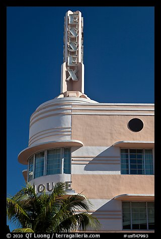 Deco-style spire on top of Essex hotel, Miami Beach. Florida, USA