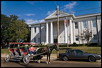 Horse carriage in front of the courthouse. Natchez, Mississippi, USA