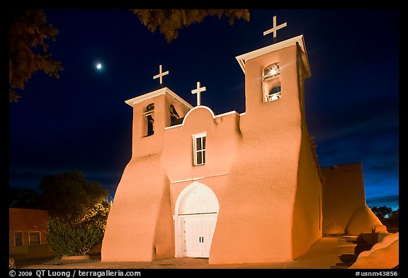 Church San Francisco de Asisis at night, Rancho de Taos. Taos, New Mexico, USA