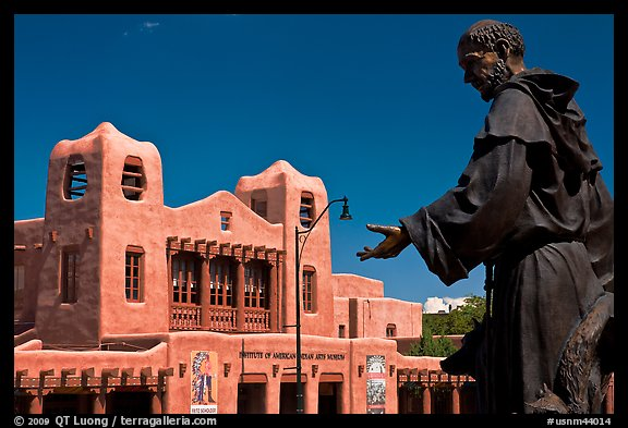 Statue and Institute of American Indian arts museum. Santa Fe, New Mexico, USA