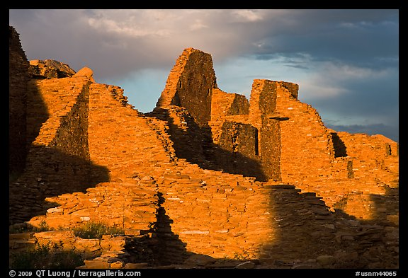 Walls at sunset, Pueblo Bonito. Chaco Culture National Historic Park, New Mexico, USA