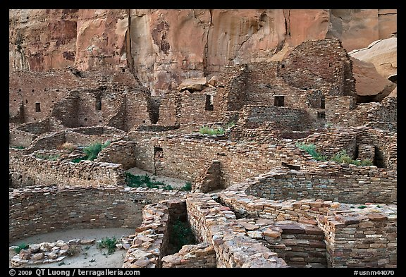 Many rooms of the Pueblo Bonito complex. Chaco Culture National Historic Park, New Mexico, USA