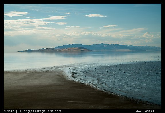 Beach and Great Salt Lake, Antelope Island. Utah, USA (color)