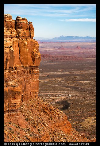Cliff edge of Cedar Mesa and Valley of the Gods from Moki Dugway. Bears Ears National Monument, Utah, USA (color)