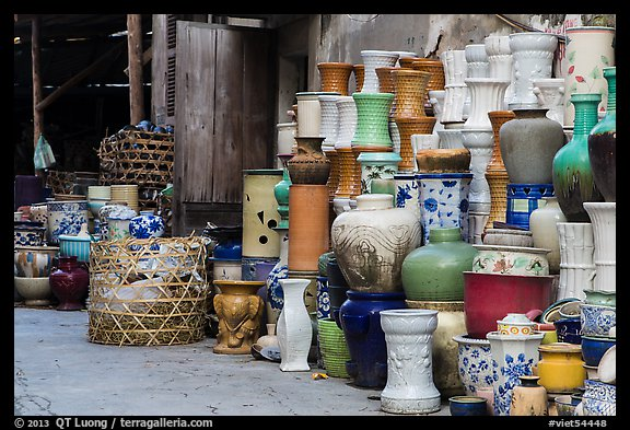 Large vases for sale. Bat Trang, Vietnam