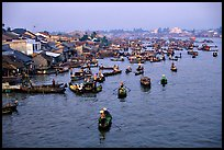 Cai Rang Floating market, early morning. Can Tho, Vietnam